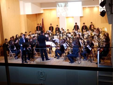 20151201173314-concertbandanadal4.jpg